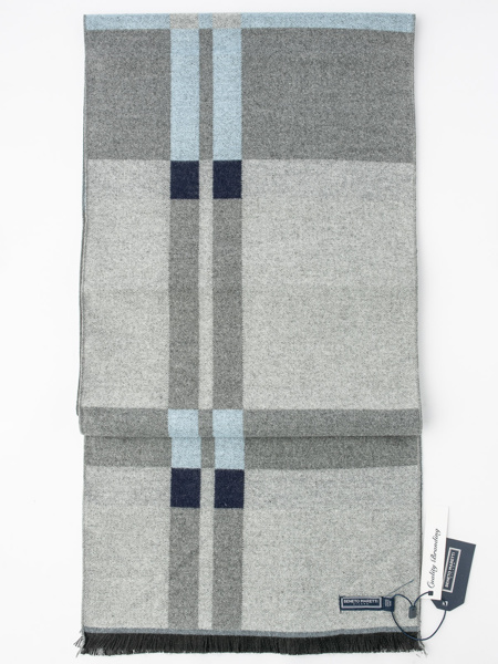 Picture of Men's soft scarf in large geometric check design